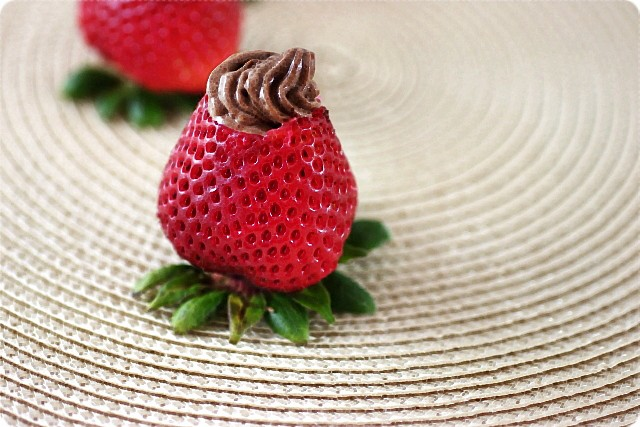 Chocolate Mousse Stuffed Strawberries {mind-over-batter.com}