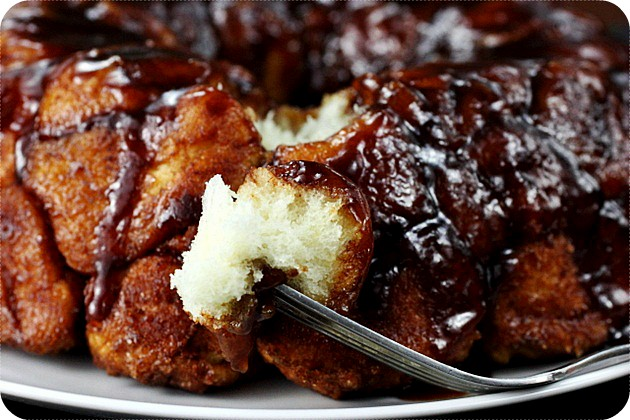 Apple Butter Monkey Bread {mind-over-batter.com}