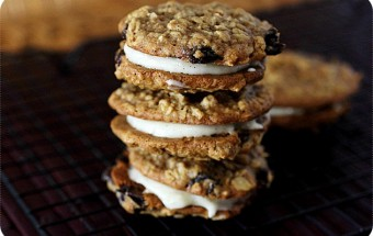 OATMEAL_RAISIN_SANDWICH_COOKIES.jpg