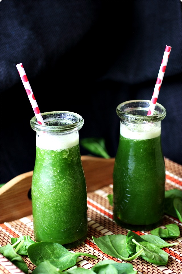 pineapple spinach banana smoothie 4