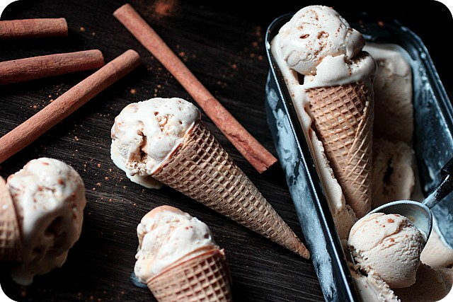 Cinnamon Ice Cream with Dulce de Leche Swirl {Mind Over Batter}
