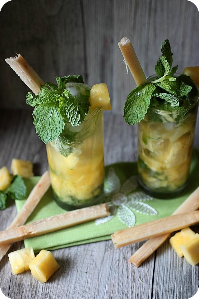 Pineapple Coconut Mojito {www.mind-over-batter.com}