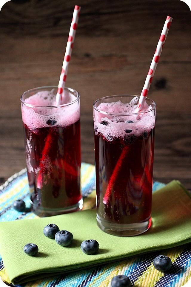 Blueberry Soda {mind-over-batter.com}