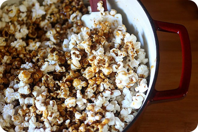 Pumpkin Spice Caramel Corn {mind-over-batter.com}