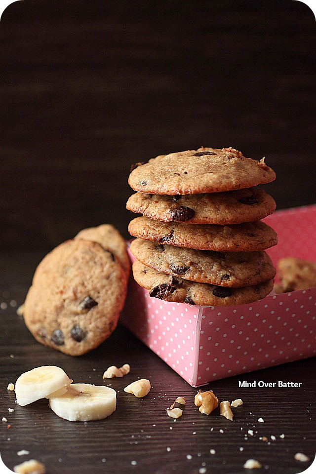Banana Walnut Dulce De Leche Chip Cookies {mind-over-batter.com}