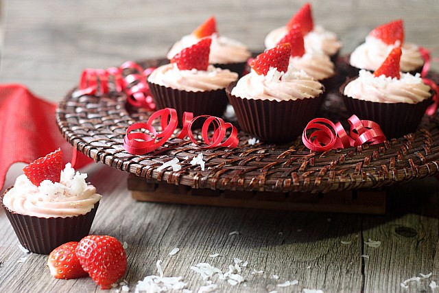 Strawberry Cheesecake Filled Chocolate Cups {mind-over-batter.com}