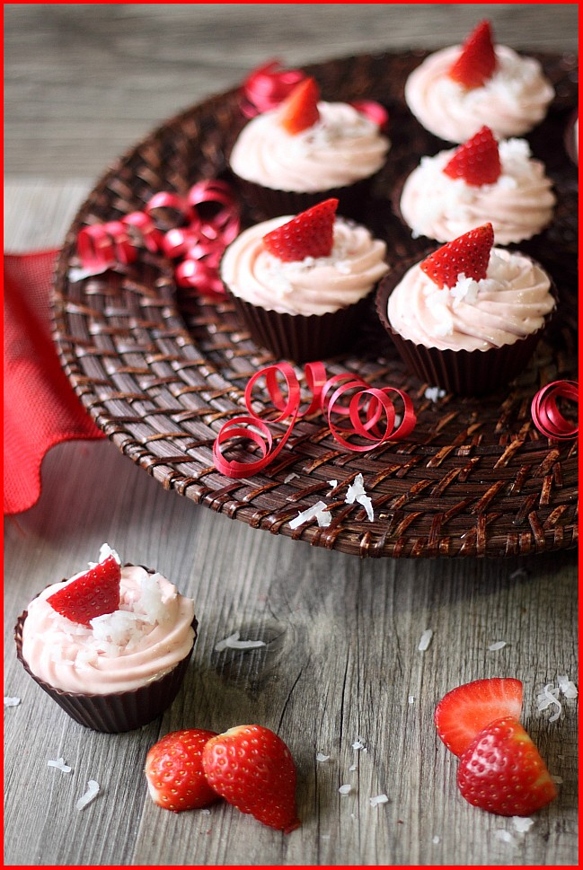 Strawberry Coconut Cheesecake Chocolate Cups {mind-over-batter.com}