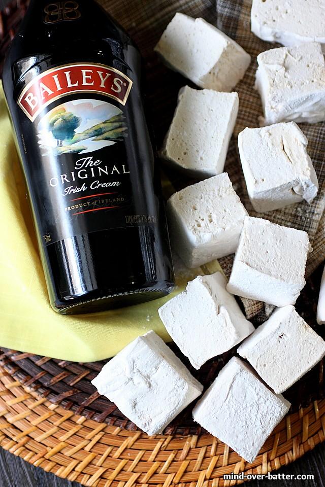 Baileys Irish Cream Marshmallows {mind-over-batter.com}