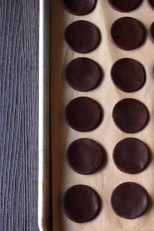 Banana Oreo Cookies {mind-over-batter.com}