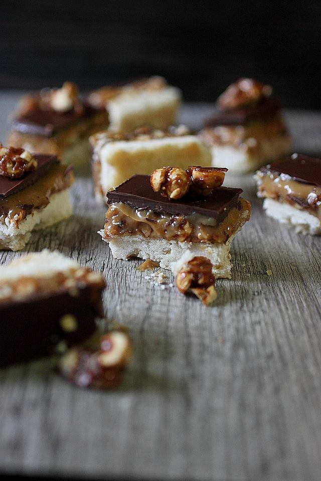 peanut caramel shortbread bars6