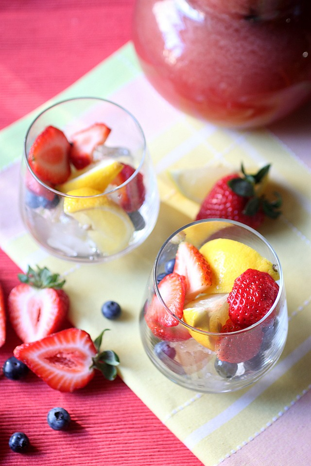 Berry Lemonade Sangria {mind-over-batter.com}