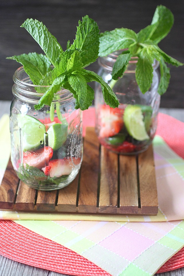 Berry Mojito {mind-over-batter.com}