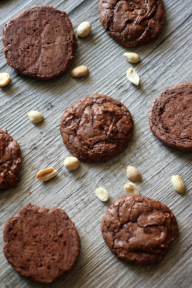 Peanut Butter Brownie Sandwich Cookies {mind-over-batter.com}