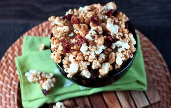 Bacon Caramel Corn {mind-over-batter.com}