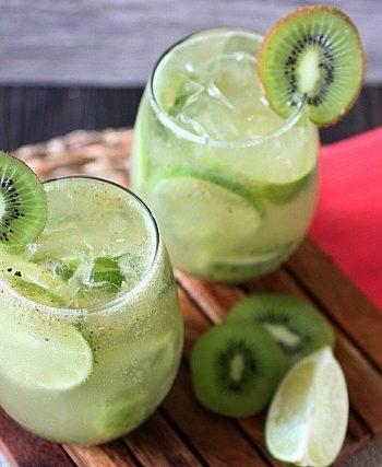 Kiwi Lime Rum Smash {mind-over-batter.com}