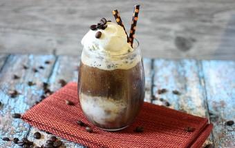 Iced Coffee Float {mind-over-batter.com}