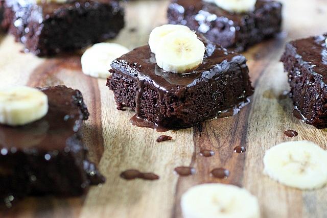 Fudgie Cakey Banana Brownies