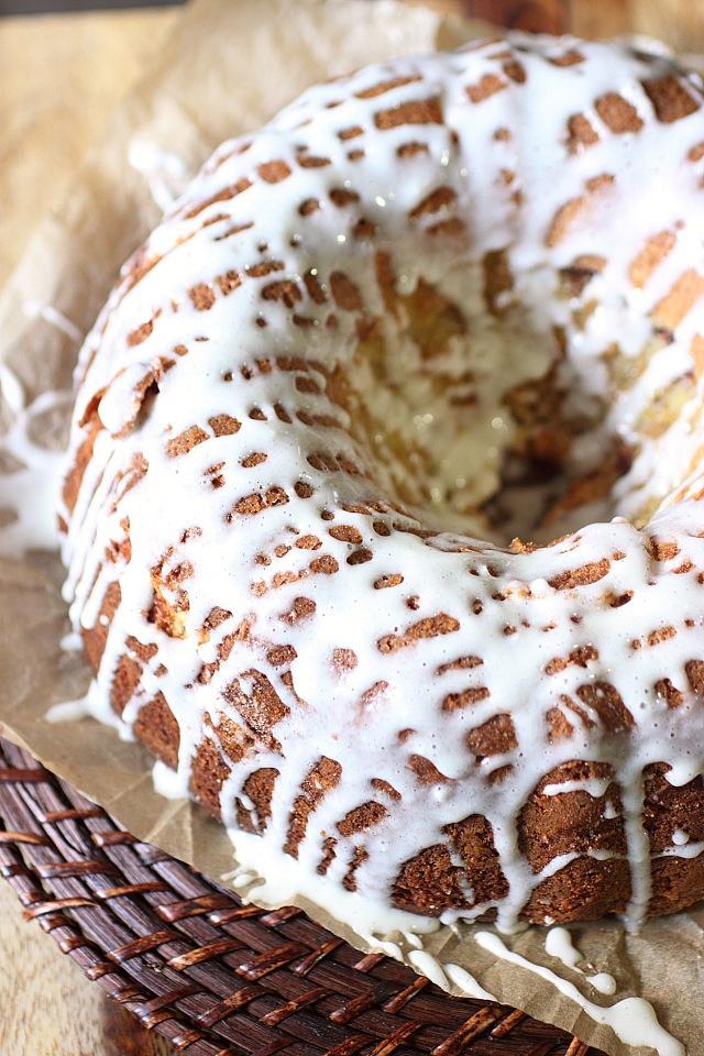 Cinnamon Roll Bundt Cake {mind-over-batter.com}