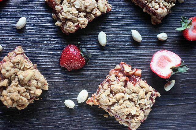 Peanut Butter & Strawberry Jam Bars {mind-over-batter.com}