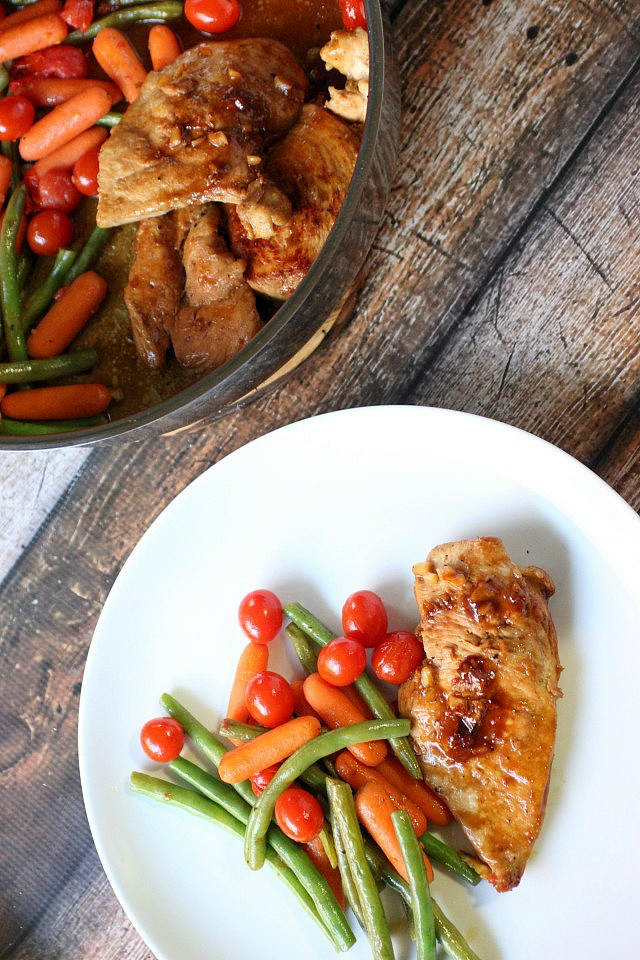 One-Skillet Honey Balsamic Chicken & Veggies {mind-over-batter.com}
