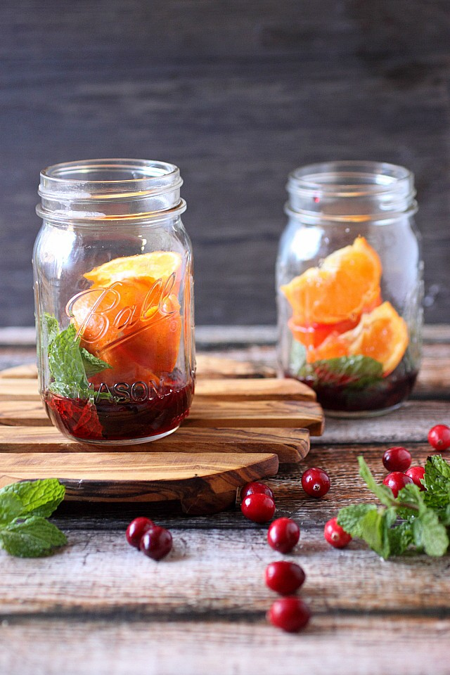 Cranberry Tangerine Mojitos {mind-over-batter.com}