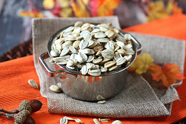 DIY Roasted Sunflower Seeds