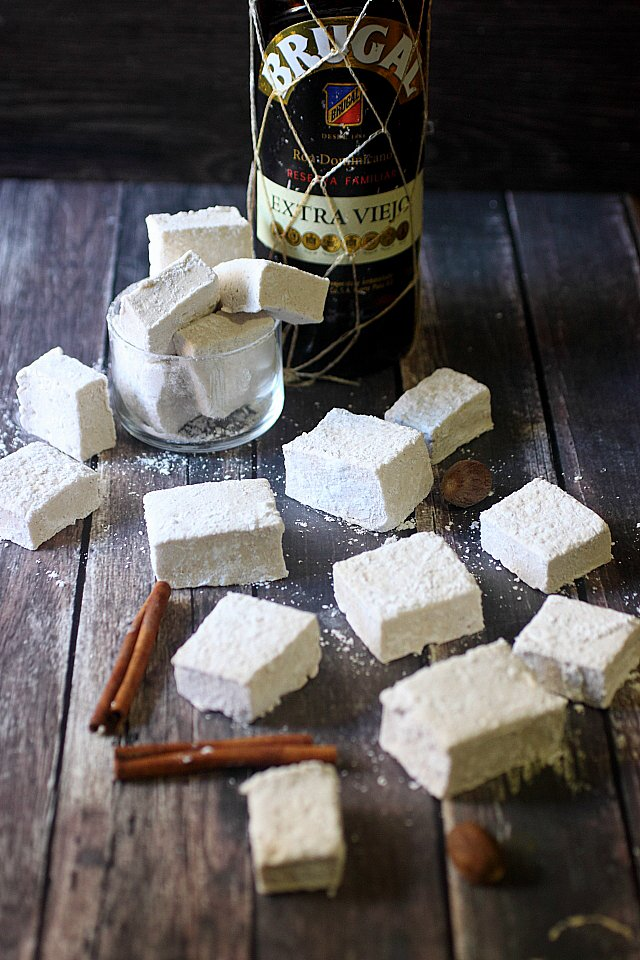Spiced Buttered Rum Marshmallows {mind-over-batter.com}