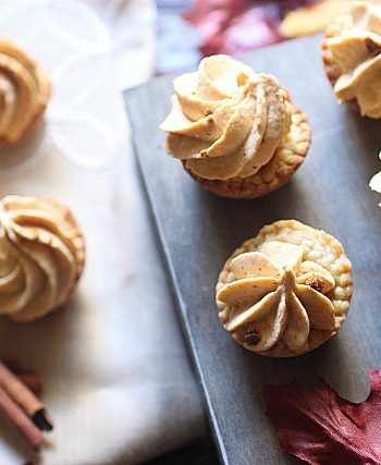 Mini Pumpkin Cheesecake Pies {mind-over-batter.com}
