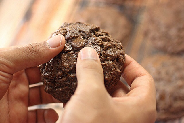 Double Chocolate Chip Cookies {mind-over-batter.com}