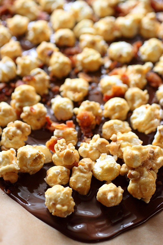 Bacon Caramel Corn Bark {mind-over-batter.com}