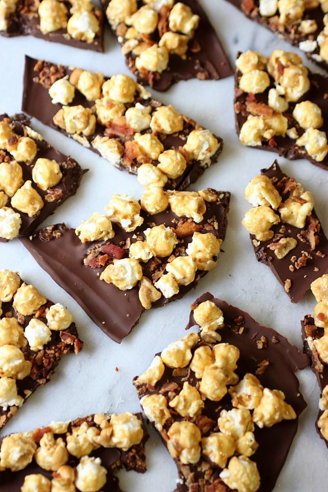 Bacon Caramel Corn Bark {mind-over-batter.com}