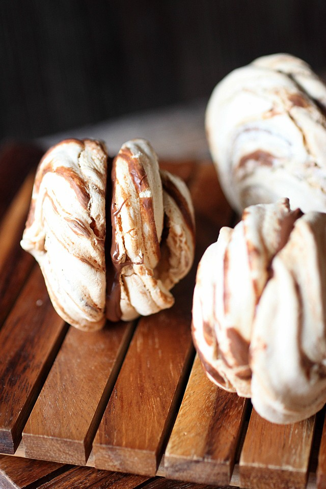 Nutella Meringues {mind-over-batter.com}