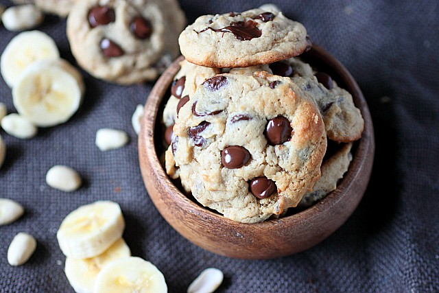 Peanut Butter Banana Chocolate Chip Cookies {mind-over-batter.com}