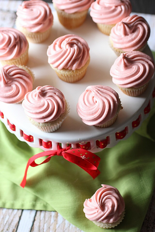 Vanilla Bean Heart Inside Mini Cupcakes {mind-over-batter.com}