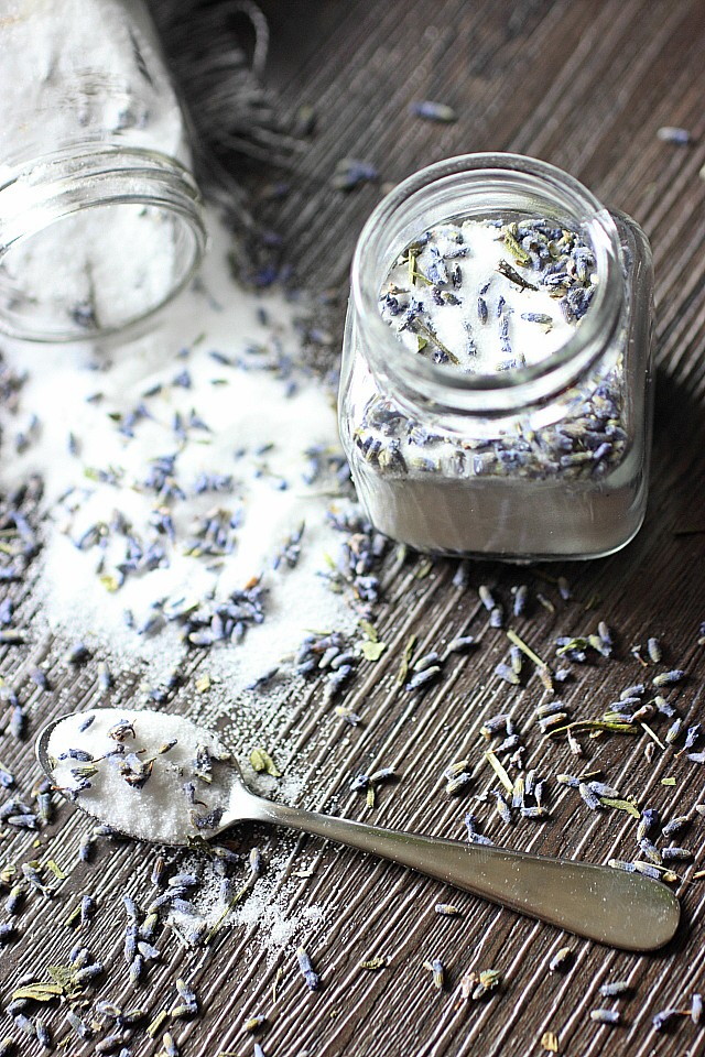 DIY - Lavender Vanilla Infused Sugar {mind-over-batter.com}