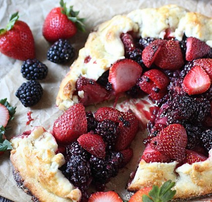 Fresh to death Berry Galette = Super berry-li-cious berries nestled between a flaky, buttery, homemade pie crust. This galette is Summer in a slice! {mind-over-batter.com}