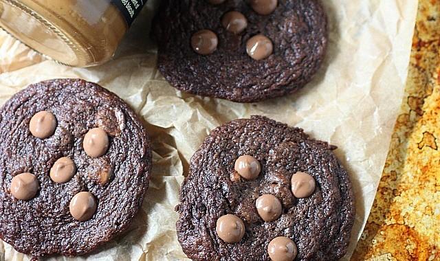 Dark Cookie Butter Chocolate Chip Cookies