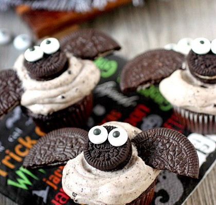 bat-cupcakes-7