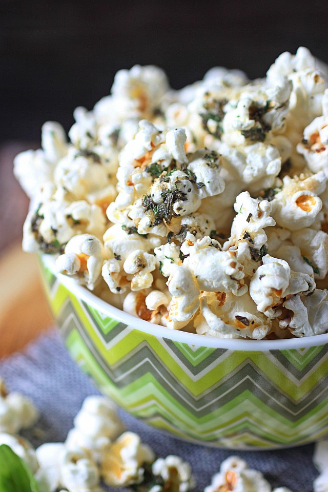 Gather 'round, people – Your snacking experience is about to get AMAZING! THIS Garlic Bread Popcorn. All the flavors of deliciously addictive garlic bread – Basil, parsley, oregano and TONS of garlic – Mixed into popped corn kernels. And did I mention…? Panko breadcrumbs are added to this popcorn for a heightened garlic bread experience!  Make a batch and it will be gone in minutes! www.mind-over-batter.com