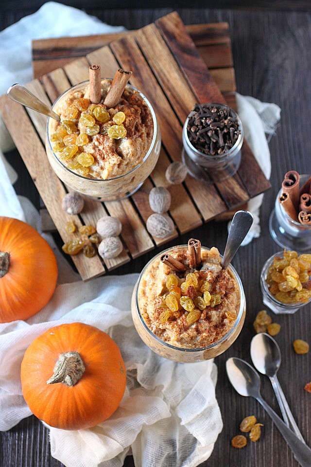 Pumpkin Rice Pudding. You need the ultimate bowl of fall spice and pumpkin puree infused comfort. I got you, America. I got you. www.mind-over-batter.com