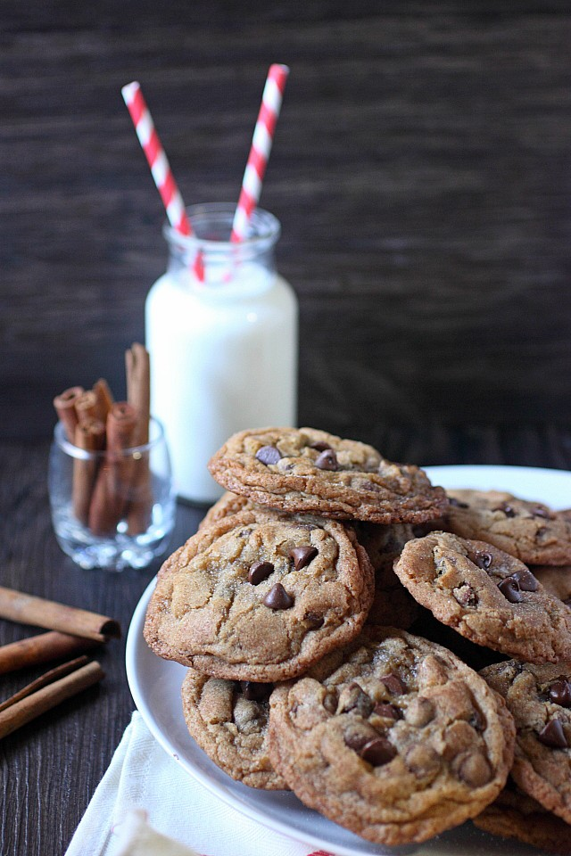 A crunchy cinnamon sugar outer coating gives way to a soft-baked gooey chocolate chip cookie. Grab a glass of milk, y'all!!! www.mind-over-batter.com