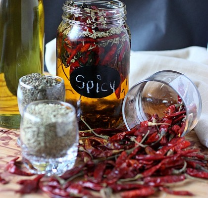 Spicy Chile de Arbol Oil -- mind-over-batter.com