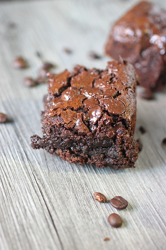 Need a jolt? Look no further than these Gooey Espresso Brownies! Gooey chocolate infused with espresso will wake you up and give you the sugar jolt you need to get through the day! www.mind-over-batter.com