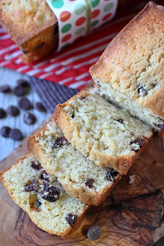 Vanilla Bean Chocolate Chip Cream Cheese Pound Cake -- www.mind-over-batter.com