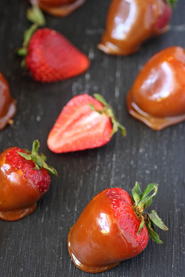 Toffee Covered Strawberries -- www.mind-over-batter.com