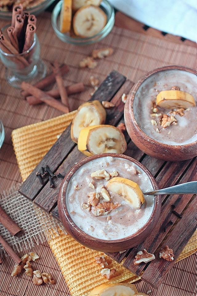 Bananas and Cream Oatmeal -- www.mind-over-batter.com