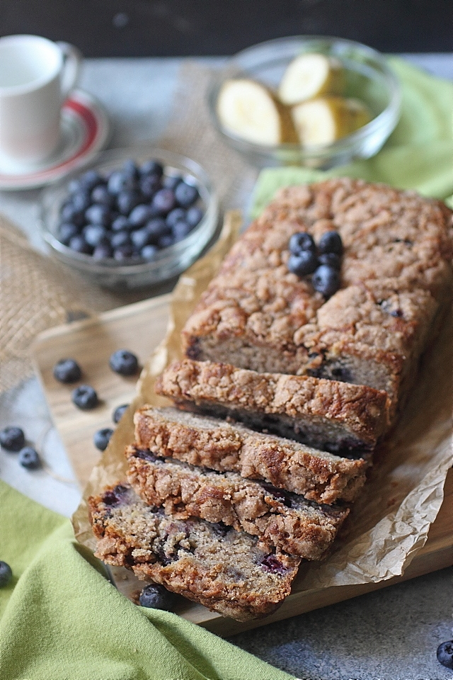 Tender Blueberry Banana bread --- www.mind-over-batter.com